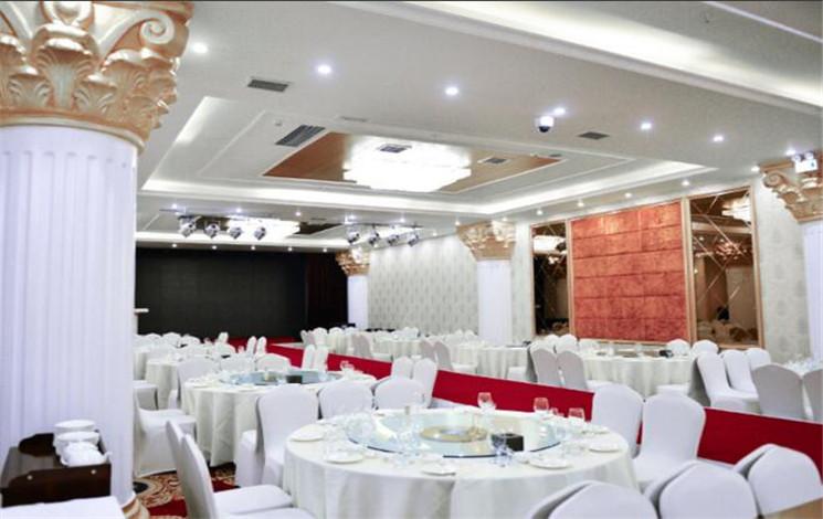 爱渡宴会酒店婚宴图片